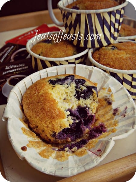 blueberry cornmeal muffins 3