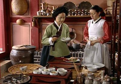 Korean mania visual gastronomy dae jang geum jewel of for Traditional korean kitchen